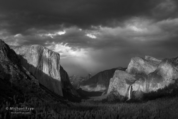 Storm clouds over Yosemite Valley from Tunnel View, Yosemite NP, CA, USA