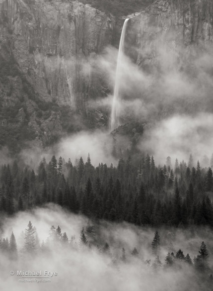 Bridalveil Fall and mist from Tunnel View, Yosemite NP, CA, USA
