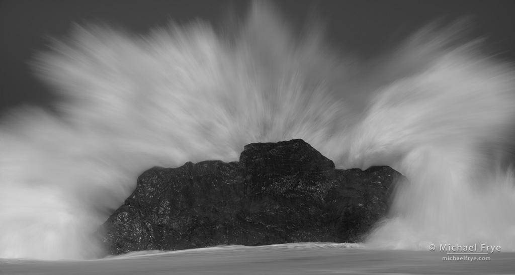 Crashing wave, Redwood NP, CA, USA