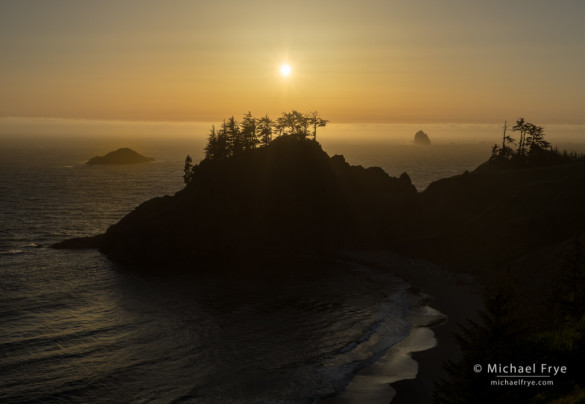 Sun setting over the Pacific Ocean, Samual H. Boardman SP, OR, USA