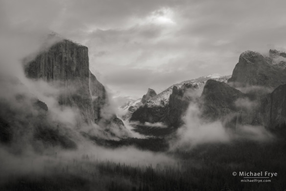 Clouds and mist from Tunnel View, Yosemite NP, CA, USA