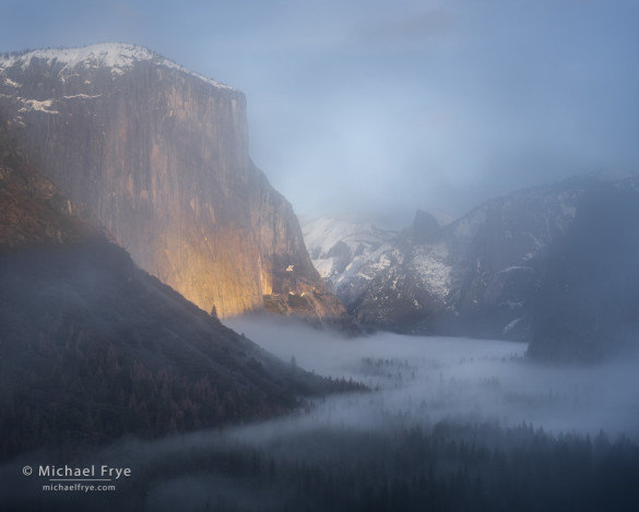Yosemite Valley through the mist from Tunnel View, Yosemite NP, CA, USA
